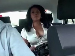 Curvy Brunette Milf Didn't Want To Pay For The Taxi