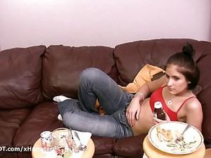 Amateur Porn Girl Eating Food Before Fucking Boyfriend Doggy