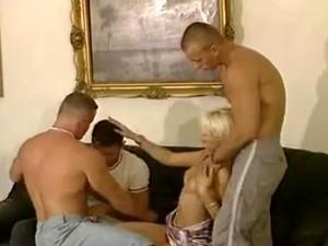 Анал,Бисексуалы,Минет,Групповуха