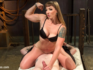 Mistress Kara & Mike Panic In Her Muscles, Her Pleasure - DivineBitches