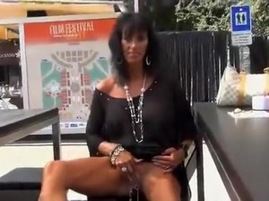 Pircing,In public