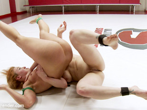 Cheyenne Jewel And Bella Rossi Fight 100% Competitive Erotic Wrestling - Publicdisgrace