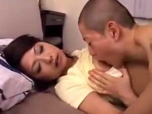 Азиатская мама,Кончить на лицо,Волосатые,Японское порно,Зрелые,Милф
