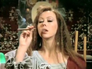 Fetish,Sedang merokok