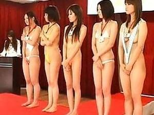 Japanese AV Model Beauty Contestant Masturbating For The Judges