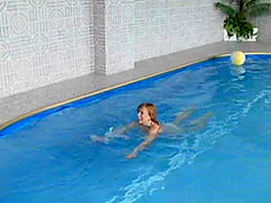 Naked Chick Seduced By A Fellow For A Sex At A Pool Side