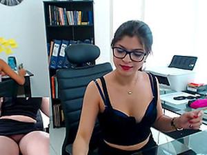 Esmerler,Mastürbasyon,Ofis,Orgazm,Webcam