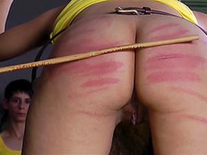 臀部,绑缚调教,褐发,女生控制,恋物,打屁股