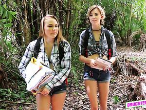 Дрочка,На природе,Студентки