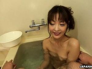 Азиатское порно,В ванной