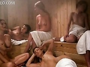 Heather Vandeven And Friends Naked In A Sauna - Life On Top Hot Scene