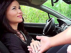 В машине,Пара