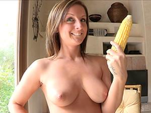 Melissa Masturbates With A Corn Cob In Solo Scene
