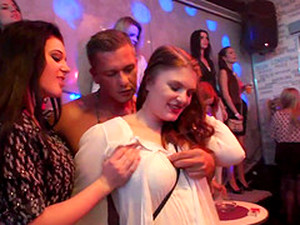 Klub,Seks grupowy,Orgia,Impreza