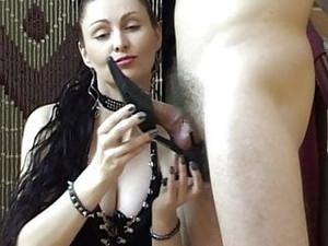 Stinky Shoe Slave Gets Heeljob
