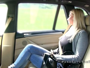 Big Ass And Boobs Blonde Bangs In Taxi