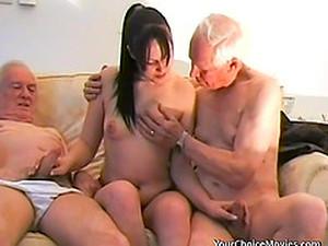 Üçlü,Esmerler,MMF,Doğal,Genç ve yaşlı,İhtiyar adam,Gençler
