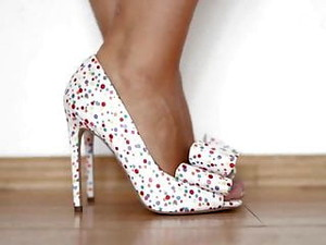 Perfect Feet In Hot Shoes ( Dirty Talk )