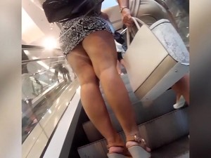 Stunning Woman With A Giant Booty Wears A Tight Dress