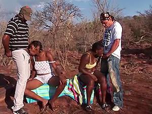 Afrika,Masuk tenggorokan,Kayu hitam,Seks berempat