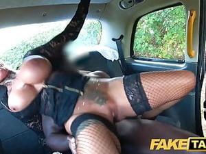 Automobile,Spogliarsi,Tatuaggi,Taxi