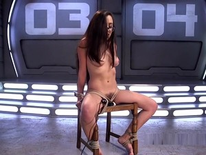 BDSM,Fetiş,Kıllı,Makine seksi,Gençler,Genç anal,Bağlanmış