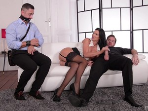 Insatiable Jasmine Jae Needs To Ride One Cock While Sucking Another