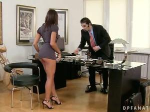 La birou,Secretare