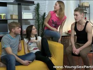 Бисексуалы,Молодежь