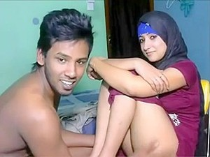 Pakistani Lovers Fuck In Hotel For Full Video Spetty.link/UVh8YD