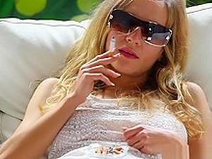 Blonde Franchezca Loves Smoking Very Much