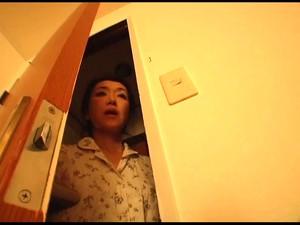 Азиатская мама,Жена