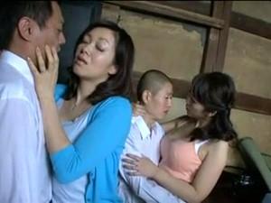 Азиатское порно,Азиатская мама