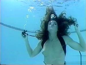 Bridgette Underwater