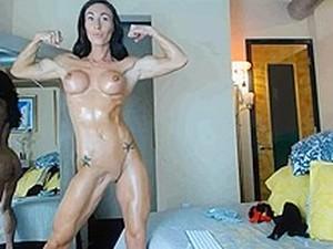 Incredible Posing Muscle Girl
