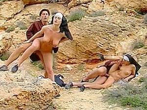 Anal,Çifte anal,Çifte giriş,Grup yapma,Rahibe,Eski