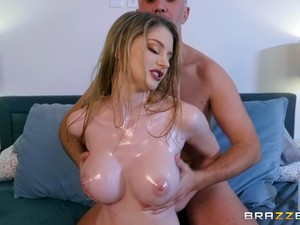 Naturally Curvy Babe With Red Lipstick Bunny Colby Rides Cock For Cum