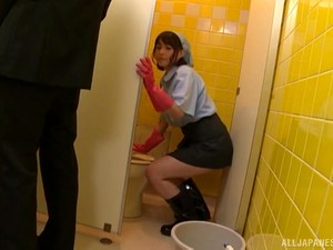 Toilet Solo Play And Teasing Her Man Makes Oda Shiori Extra Wet