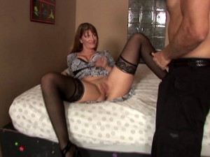 Stunning Cougar In High Heels Yelling While Being Pounded Hardcore Missionary