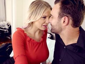 Ibu rumah tangga,Mencium