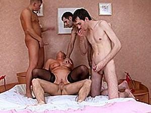 Götten sikiş,Çifte anal,Çifte giriş,Grup seks,Grup yapma,Olgun,Rus pornosu