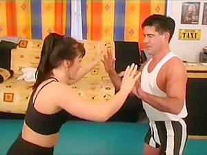 Pippa L'Vinn Wrestles