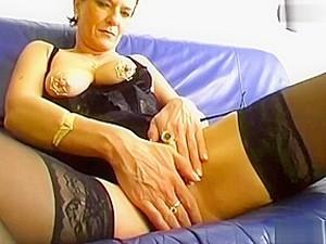 Porno Allemand,Vieille,Mature,Piercing,Bas