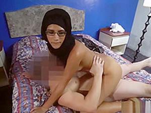 Arap pornosu,Boşalma,Elle mastürbasyon,Kızıl saçlı,Döl yutma