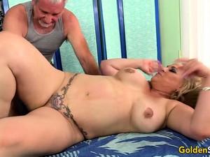 Orgasmic Rubdown For Mature Slut Summer