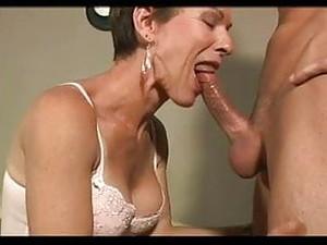 Rambut pirang,Semprot sperma,Seks nungging,Wanita dewasa,Rambut pendek