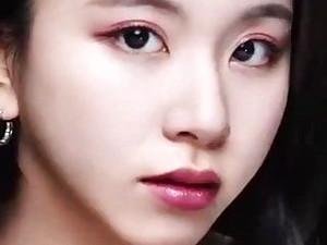 Chaeyoung's Bukkake-Ready Close-Up