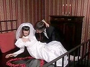Kadın dominasyonu,Belden bağlamalı,Düğün