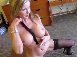 Dirty Talking Pornstar Amber Michaels Masturbates.