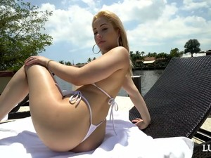 Frumoasa,Bikini,Polonez
